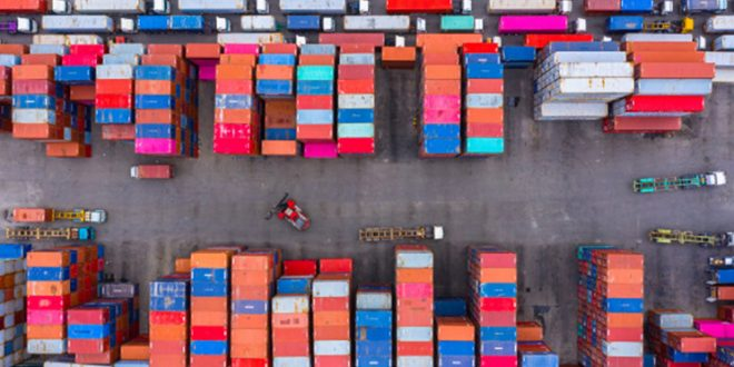 MANAGEMEN EXIM CUSTOMS SHIPPING AND LETTER OF CREDIT UCP 600